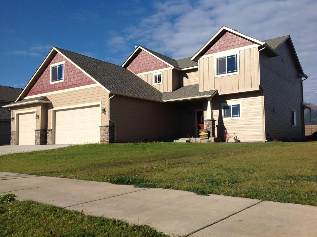 Located in the exclusively gated community of radiant lake