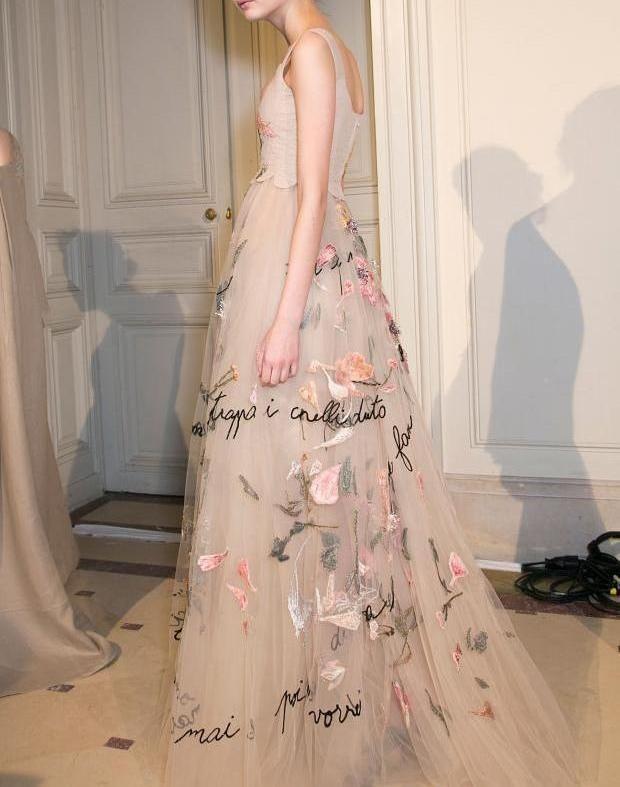 empire waistlines -          skaodi:     Valentino Haute Couture Spring 2015   ...