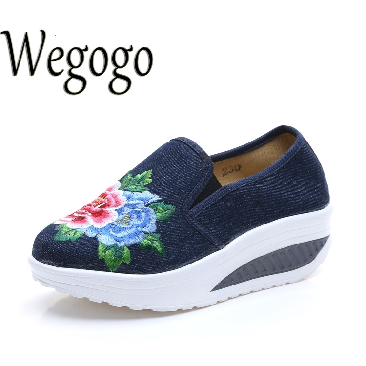 24.26$  Buy now - http://alijqf.shopchina.info/go.php?t=32773786687 - Vintage Women Flats Shoes Spring Autumn Chinese Old BeiJing Shoes Tourism Embroidered Floral Single Walking Dance Shoes  #magazine