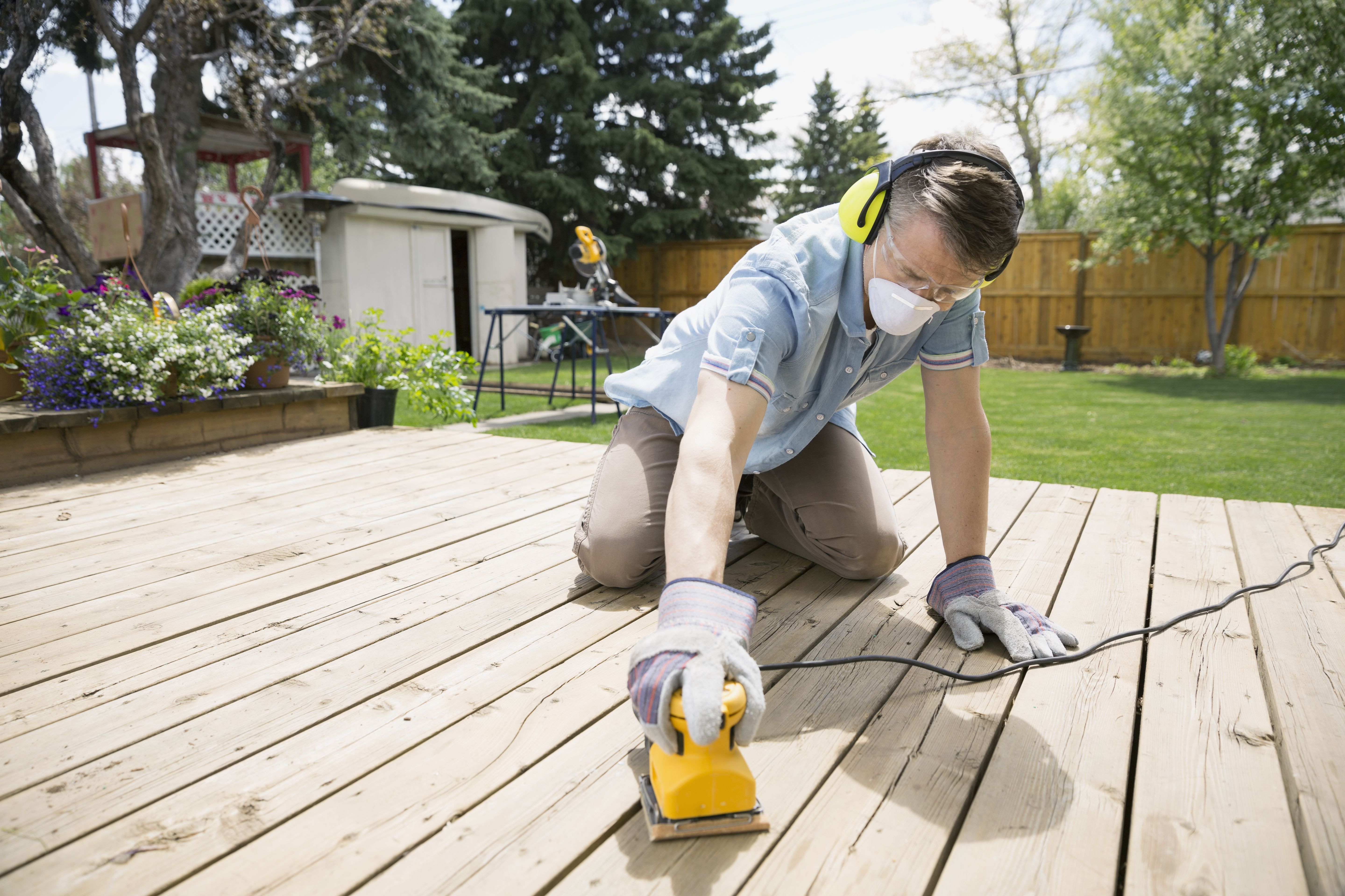 How to Sand Your Wood Deck Like a Pro Before Refinishing