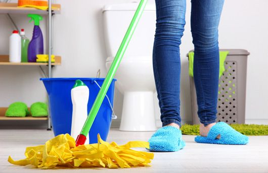 How To Clean Your Bathroom Without Choking On Fumes