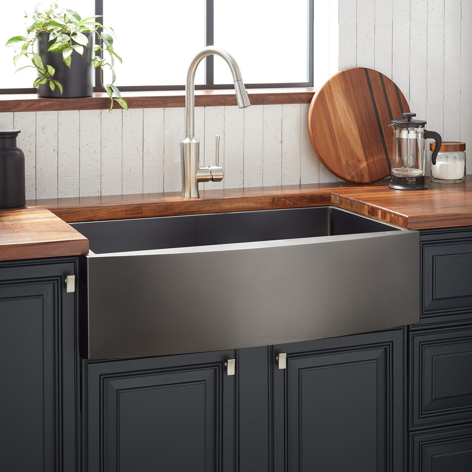 30 Atlas Stainless Steel Farmhouse Sink Curved Apron Gunmetal Black Apron A In 2020 Stainless Steel Farmhouse Sink Farmhouse Sink Kitchen Black Farmhouse Sink