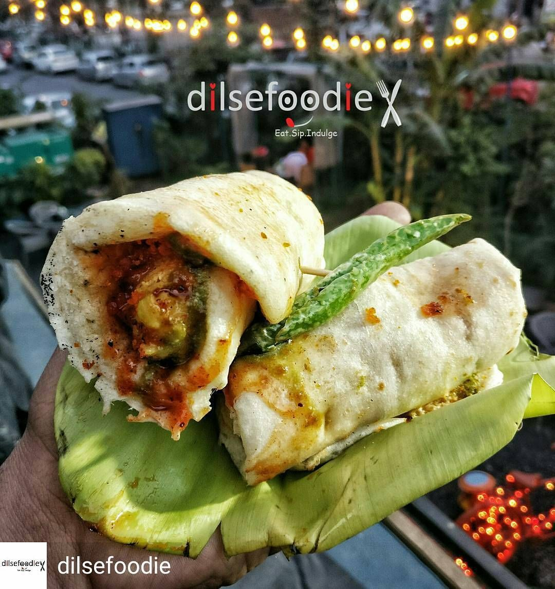 Via @dilsefoodie -  If you didn't try this yet then go and try this awsome combination of Delhi - Mumbai  KULCHA VADA   super yummm thank you @guruchelarestaurant keep doing these types of experiments.  Tag Your Vegetarian Friends With Whom You Wanna Try This Kulcha Wada  Where : Guru Chela  Cost : 89Rs  #dilsefoodie #guruchela #food #foodporn #yum #instafood #yummy #amazing #instagood #photooftheday #sweet #dinner #lunch #breakfast #fresh #tasty #food #delish #delicious #eating #foodpic…