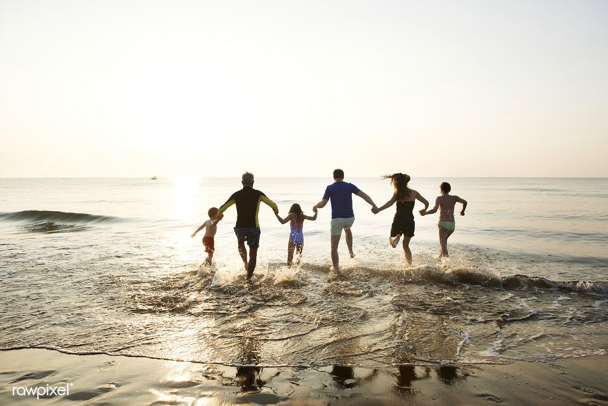 Pictures Of Families On The Beach