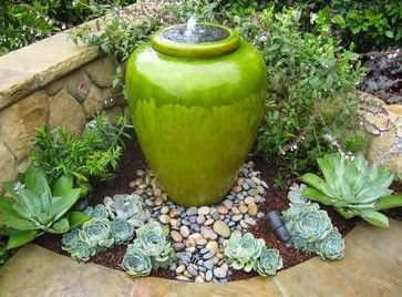 Willow Bee Inspired: Garden Design No. 21 - Succulents