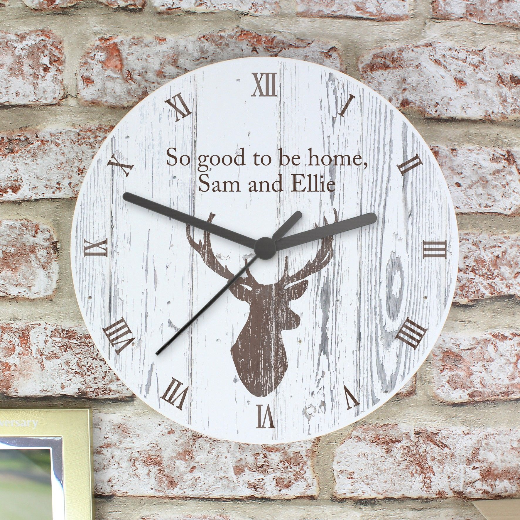Personalised highland stag wooden clock p1011c25 this highland personalised highland stag wooden clock p1011c25 this highland stag wooden clock is a chic and stylish amipublicfo Image collections