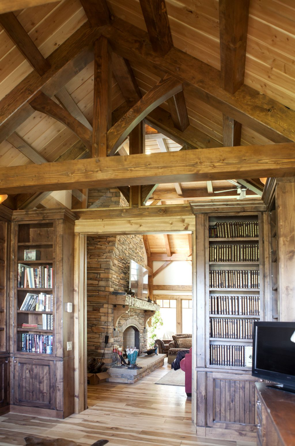Top 20 luxury log timber frame and hybrid homes of 2015 for Timber frame home interiors
