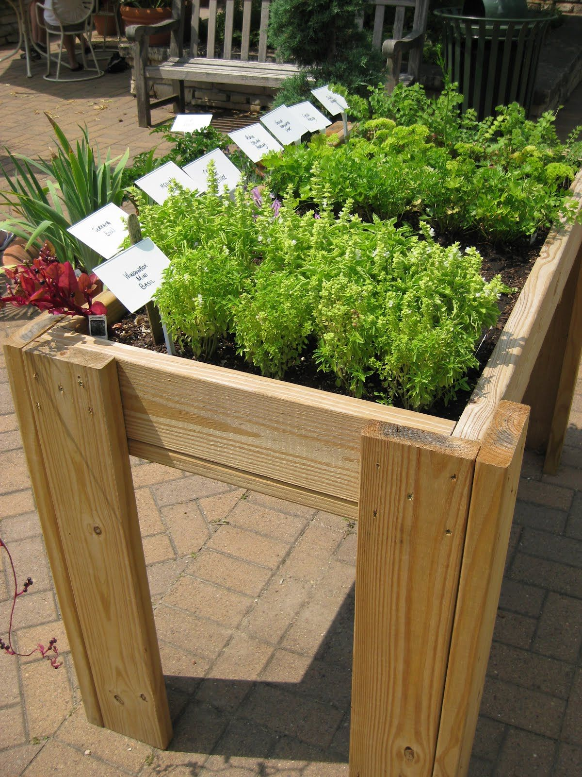 raised bed on legs/I think I want this for my Deck ...