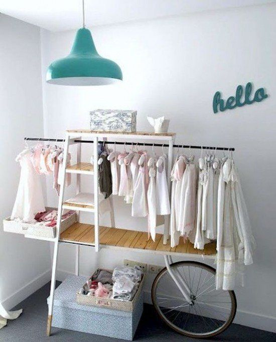 Penderie Ouverte Pour Exposer Ses Vêtements Blog Déco Clem - Portant vetement bebe