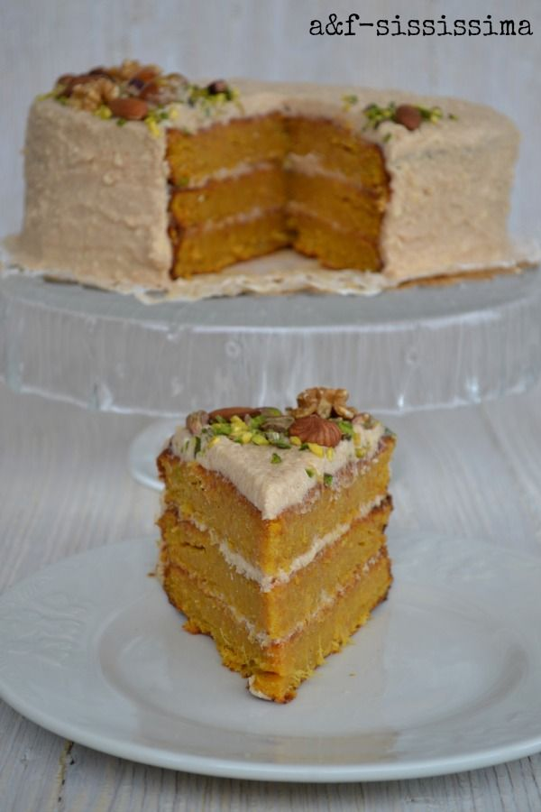 acqua e farina-sississima: Re-Cake 2.0: torta di carote con frosting allo sciroppo d'acero