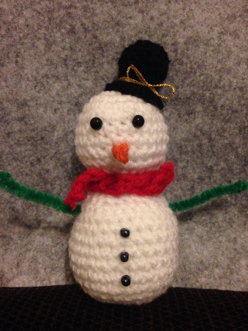 Crochet Cute Snowman Christmas Decoration With Poseable Pipe