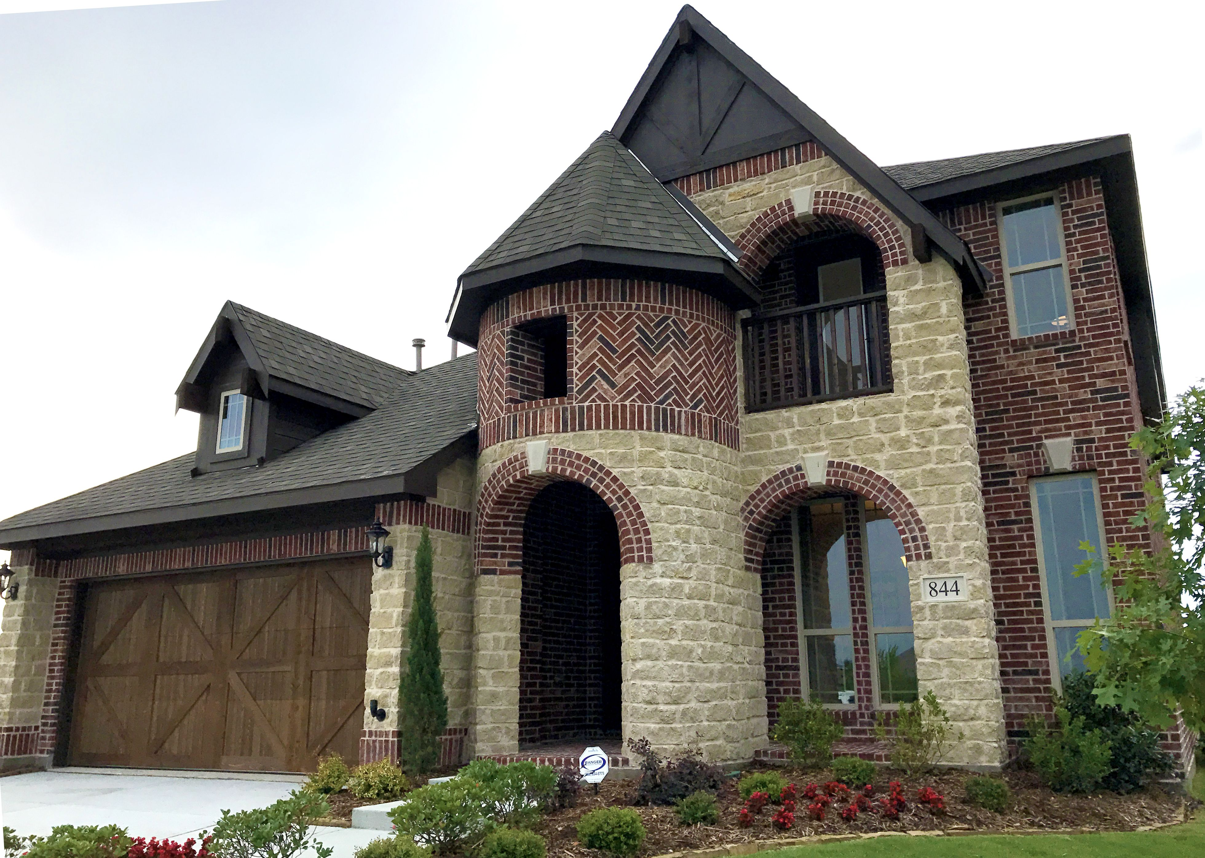 West contemporary exterior raleigh by triangle brick company - Brick Aztec Blend King Brick Stone Kirlin Mix Stone417 Paint Oxford Brown Exterior