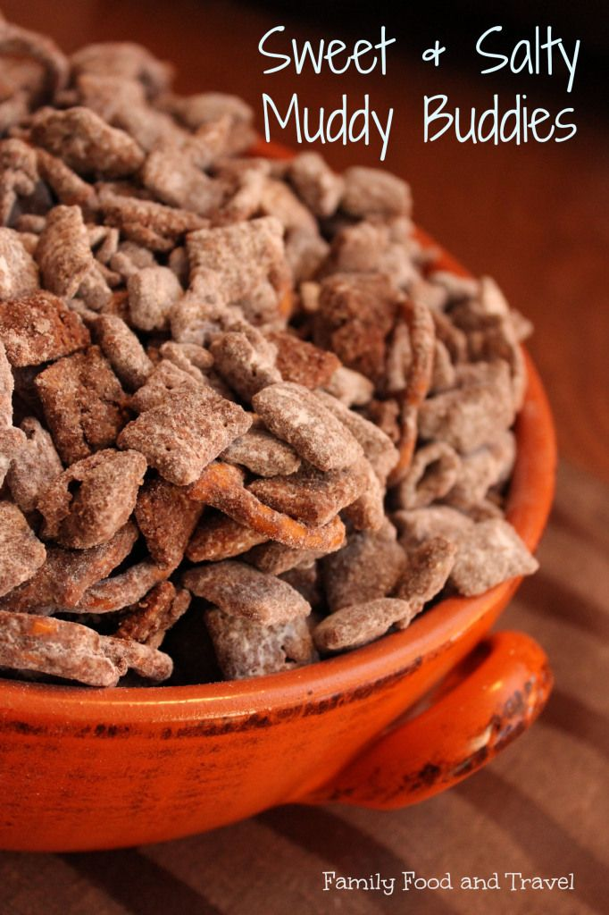Sweet and Salty Muddy Buddies great for the snackbowls at your #Thanksgiving or #Christmas party