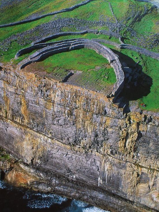 3 Inishmor, la scogliera dal forte di Dun Aengus - Picture of Dun ...