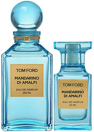 Mandarino di Amalfi from Tom Ford Private Blend is a brisk, refreshing, and aromatic citrus scent with an herbal twist. Notes of Tarragon, mint, black currant, grapefruit, lemon, basil, black pepper, coriander, orange blossom, clary sage, shiso, jasmine, vetiver, amber, labdanum, musk and civet. #niche #perfume #luckyscent