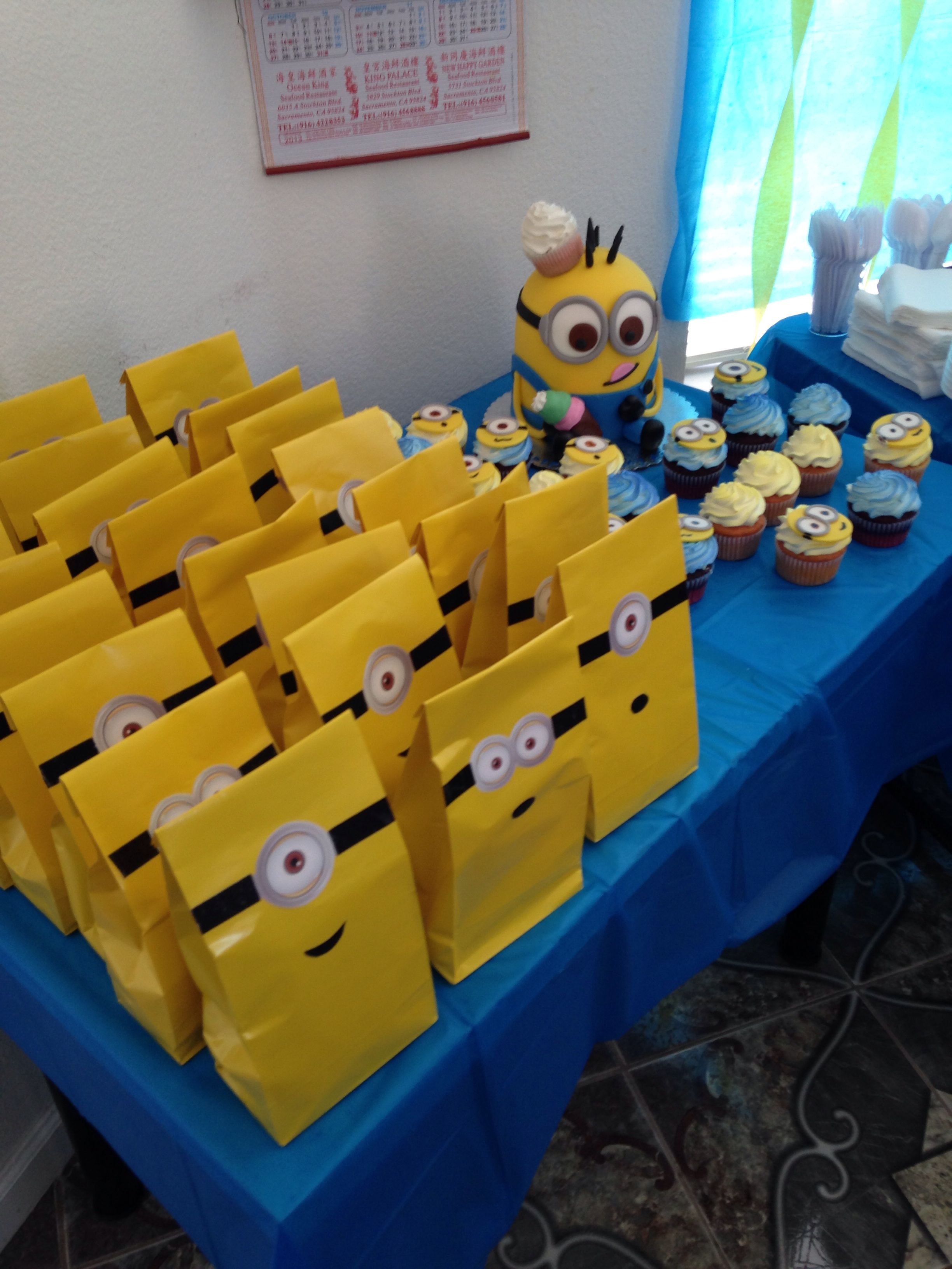 Minion Theme Birthday Party 2nd Bday Idee Fete Anniversaire