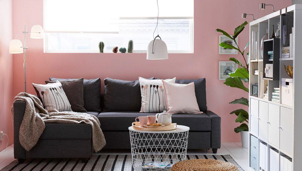 Ein Wohnzimmer mit FRIHETEN Eckbettsofa mit Bezug \u201eSkiftebo\u201c in - gemütliches sofa wohnzimmer
