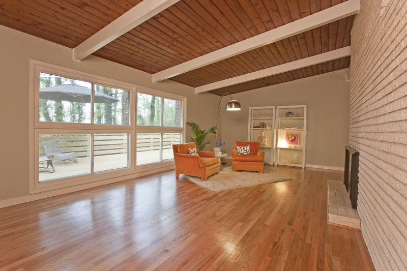 Mid Century Modern Flooring tongue and groove ceiling | home renovation inspiration