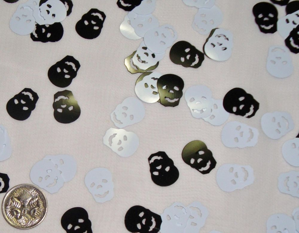 Wedding Table Scatters Foil Confettii Skulls Blk / Wht x 3