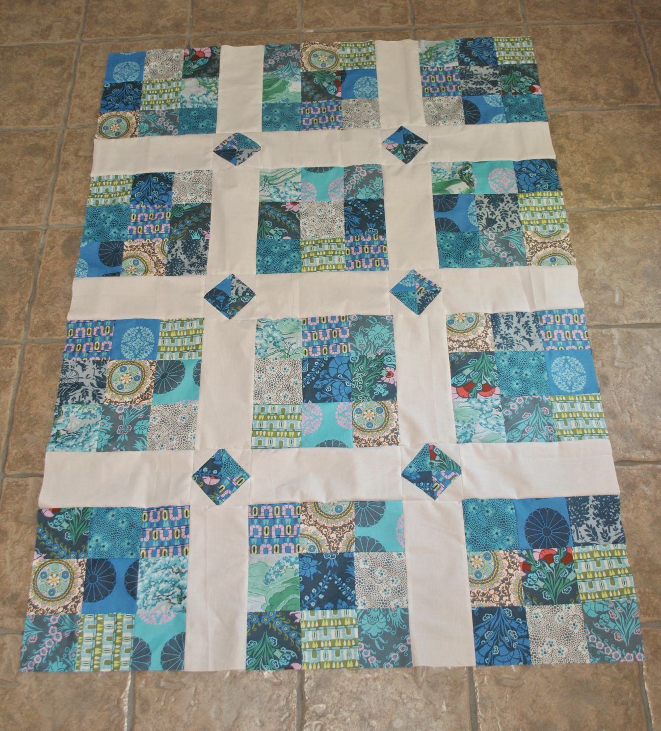 Simple Quilt in blue | Quilts - Blocks, Ideas & More | Pinterest ... : shadowed daisy quilt pattern free - Adamdwight.com