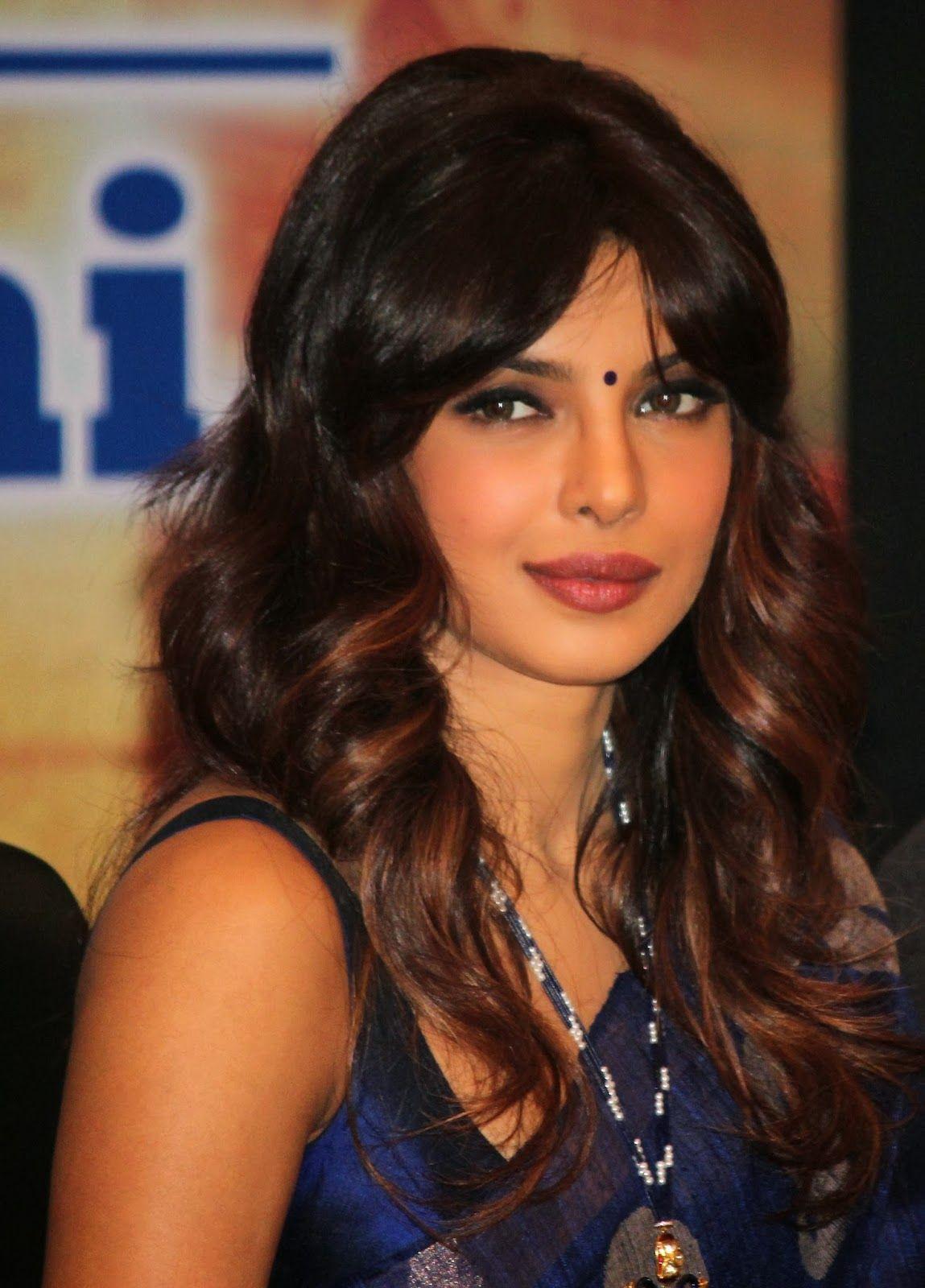 auburn highlights | hair | priyanka chopra saree, priyanka chopra