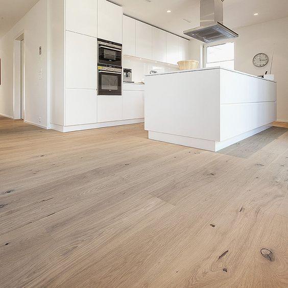 Eine offene Küche mit Dinesen Douglasie Dielenboden ist ein Traum - gemutliches zuhause dielenboden