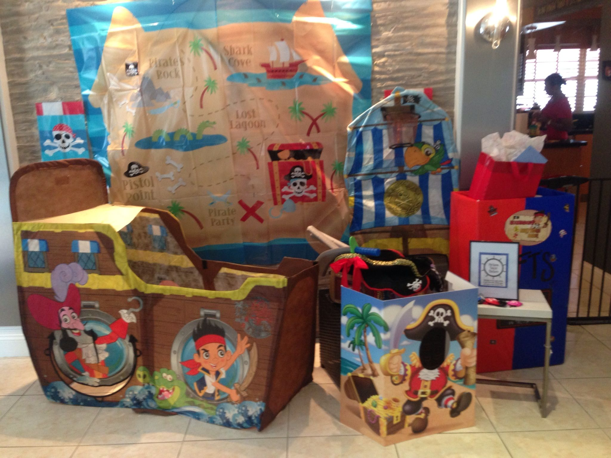 Alexander's 1st birthday   Photo booth   Kids loved it