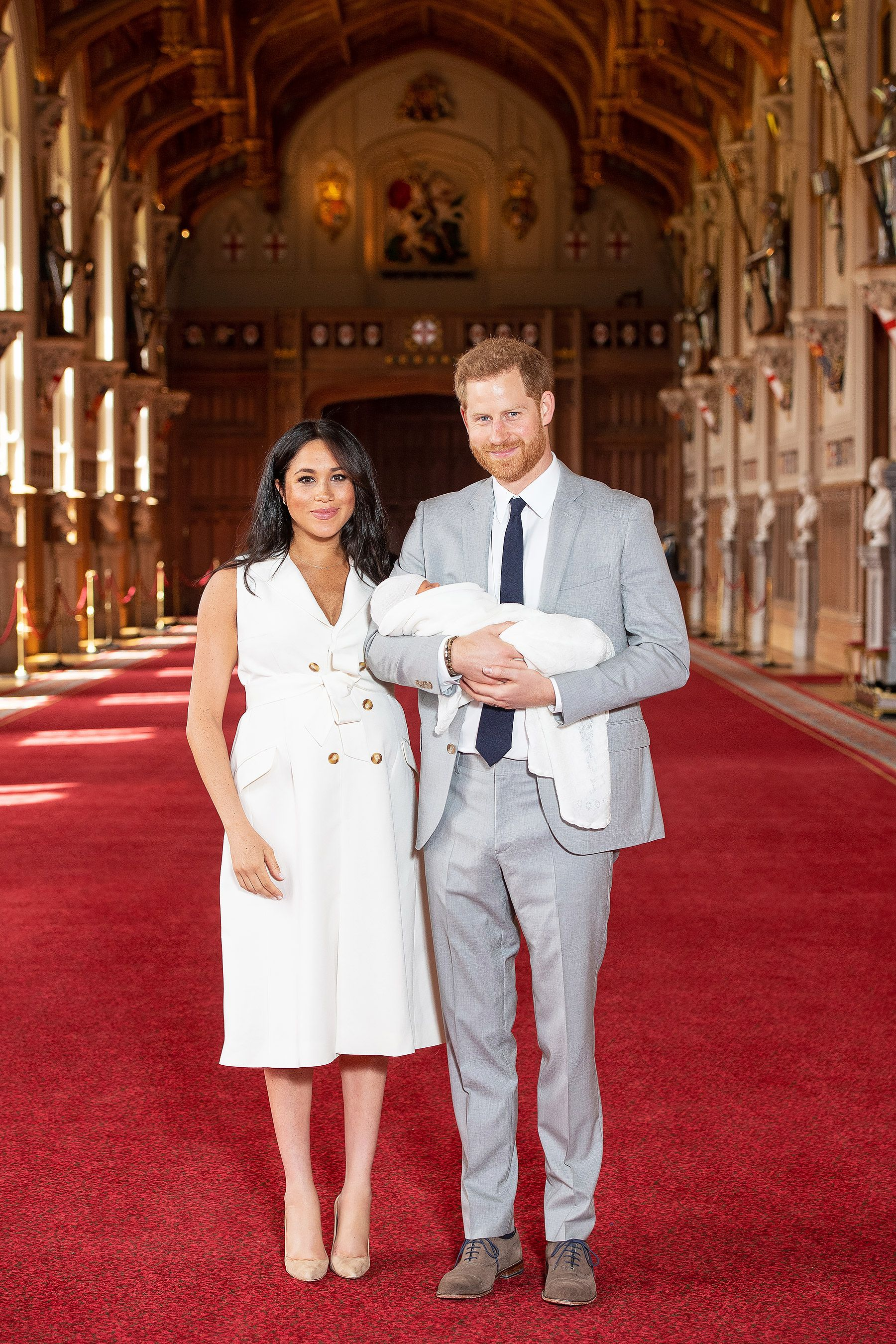 See The First Photos Of Meghan Markle And Prince Harry With Their Royal Baby Meghan Markle Prince Harry Prince Harry Meghan Markle