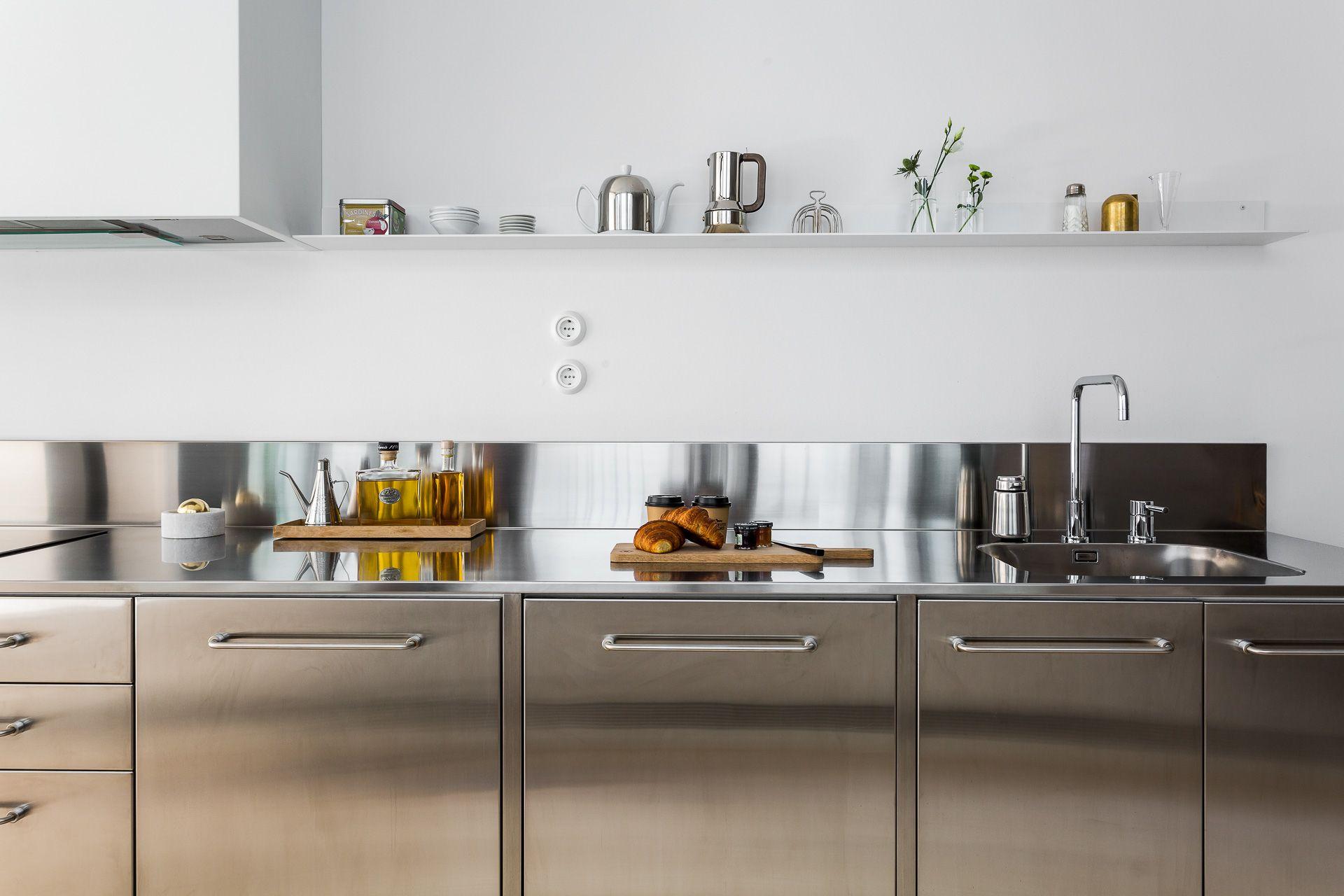 Pingl par sofia stoor sur kitchen plan de travail - Refaire sa cuisine rustique en moderne ...
