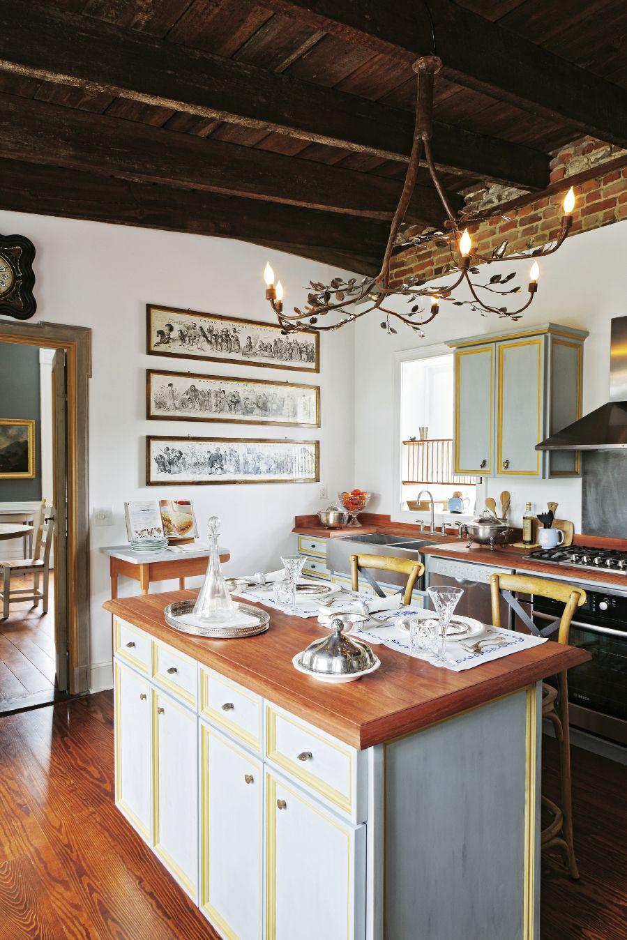 charleston home design%0A Southern Style  Beautiful Homes in Charleston  South Carolina