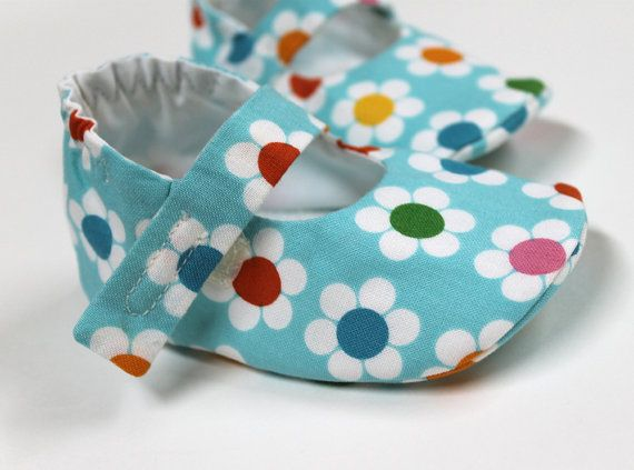 Baby Lilly shoes. Sewing Pattern. PDF. DIY. Sewing Tutorial.. $4.50, via Etsy.
