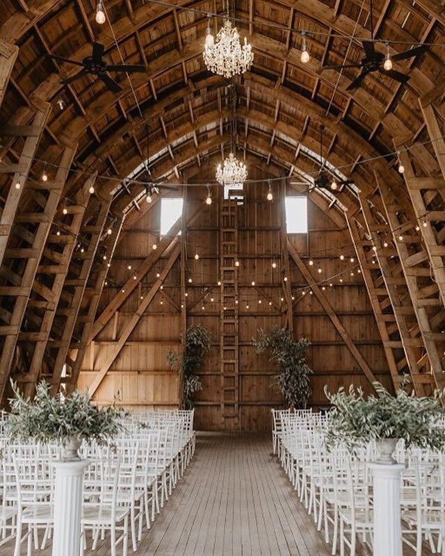 For Winter Weddings Opt For Natural Seasonal Details To Showcase Warmth Start With The Venu Barn Wedding Venue Barn Wedding Photos Barn Venue