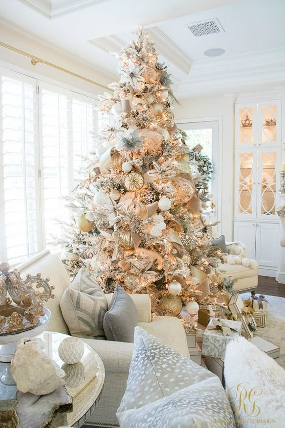 35 Gold Christmas Decorations And Holiday Decor Ideas images