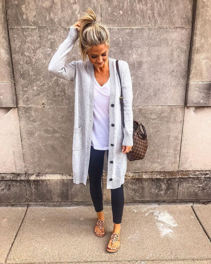 "Amanda West on Instagram: ""Found a new favorite cardi, and it's under $50! �� (Wearing the XS) Click the link in my profile to shop or follow me on the @liketoknow.it…"""
