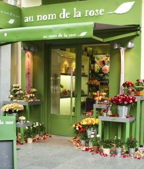 au nom de la rose not only has great rose bouquets and arrangements, their variety of rose scented candles will keep you coming back.