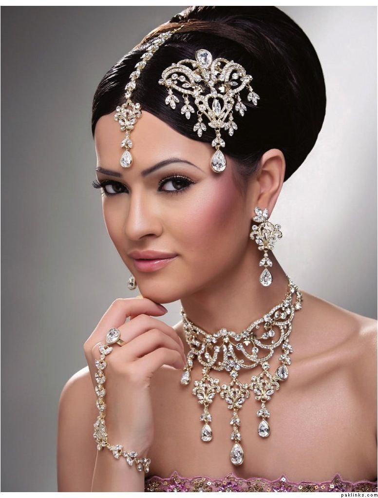 wedding makeup | jhoomar collections for weddings | bridal north
