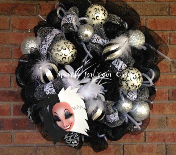 Cruella DeVille Wreath Cruella Halloween by SparkleForYourCastle