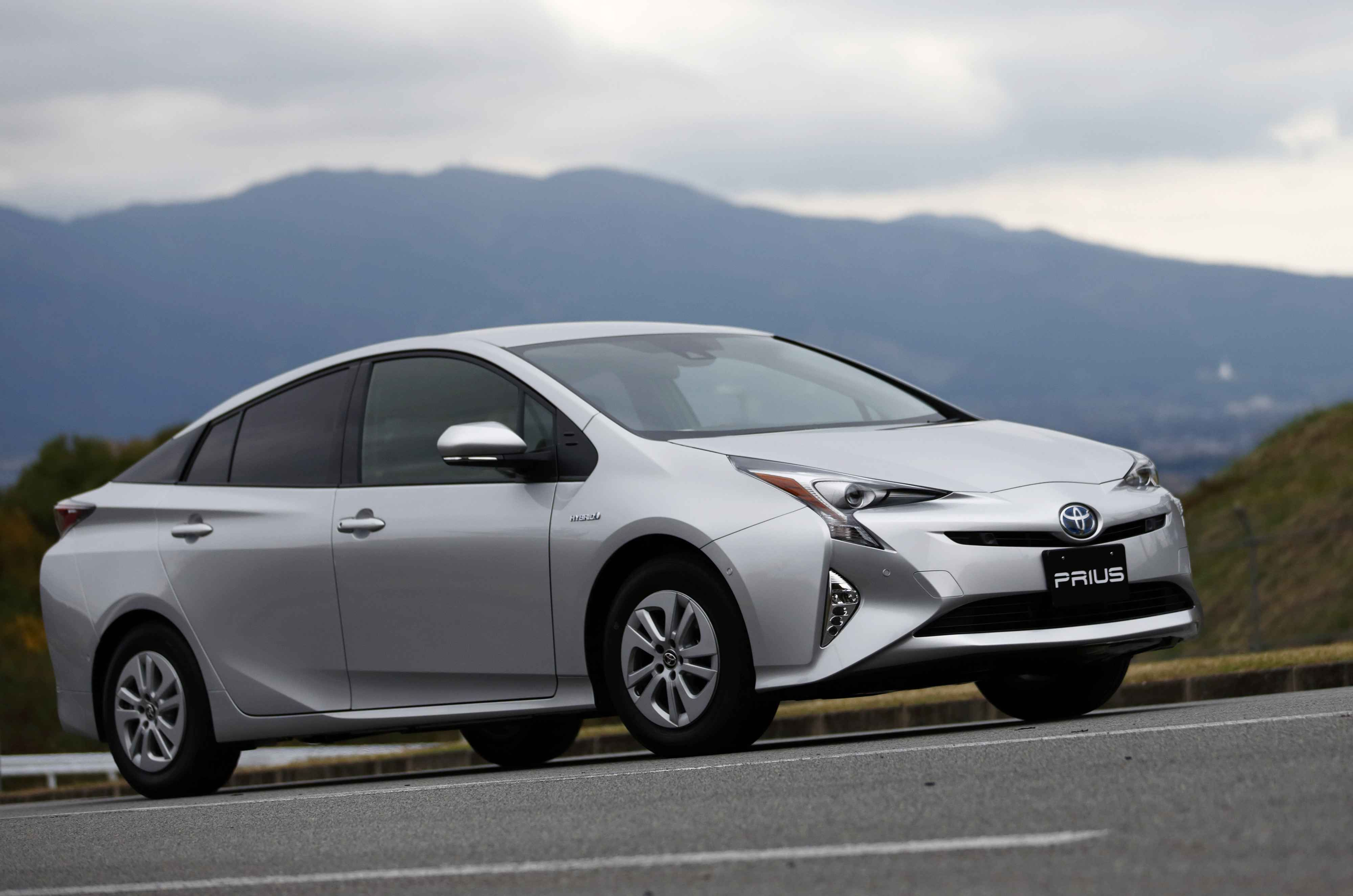 Lifestyle Green Living Carbon Footprint Hybrid Electric Vehicles
