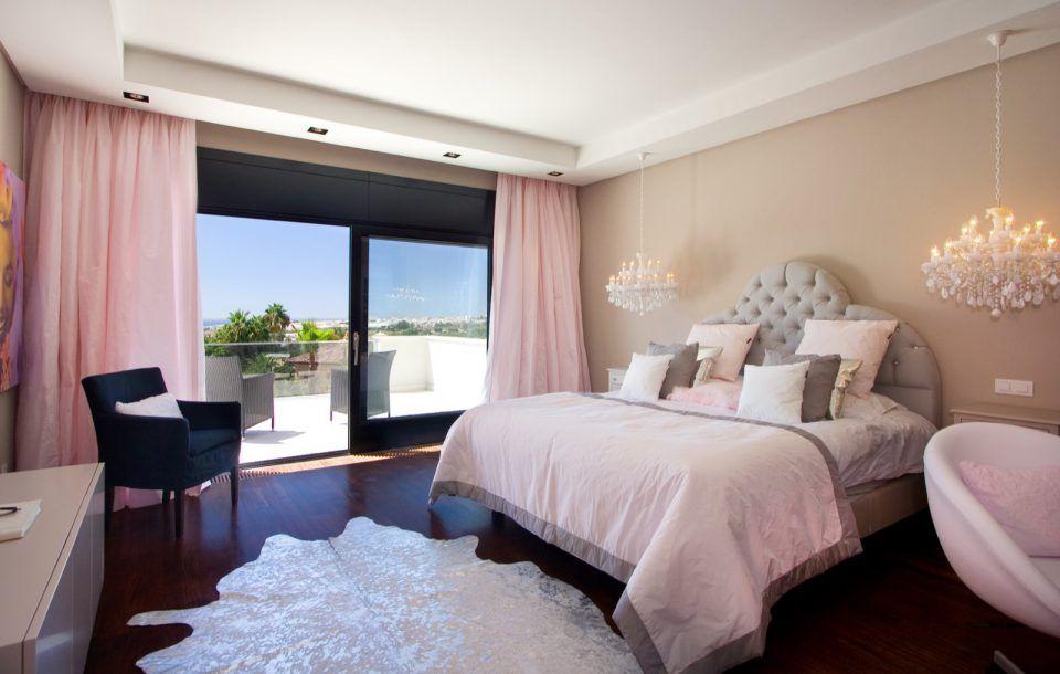 Kinder Slaapkamer Lampen : Luxe bed in slaapkamer met luxe lampen slaapkamer inspiratie