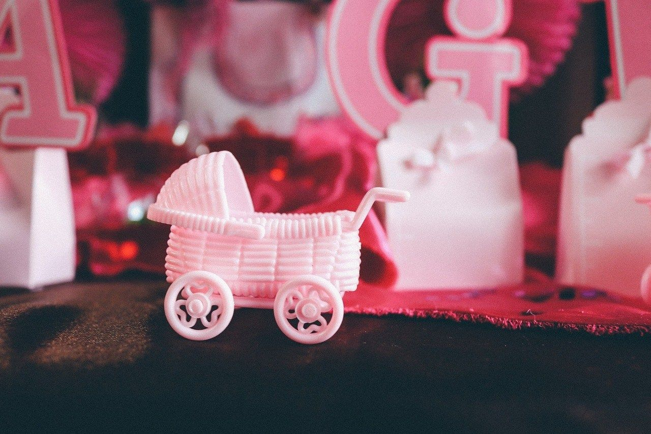 10 things you do NOT need to add to your baby registry