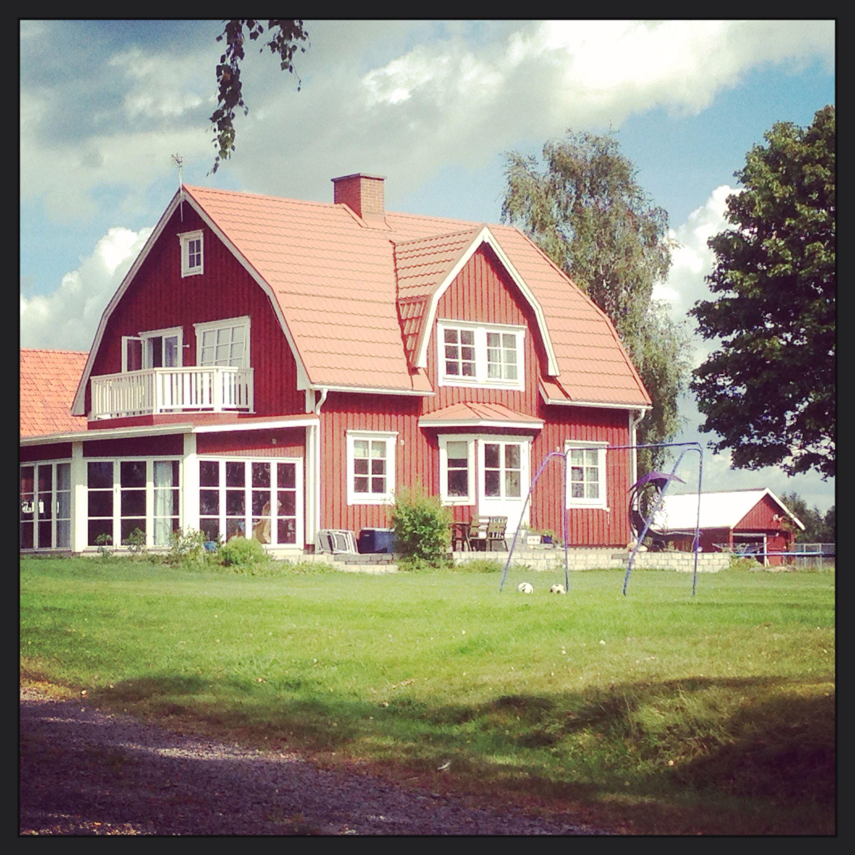 ein typisches schwedenhaus in der farbe falur d bjoerklunda sweden traumhaus future home. Black Bedroom Furniture Sets. Home Design Ideas