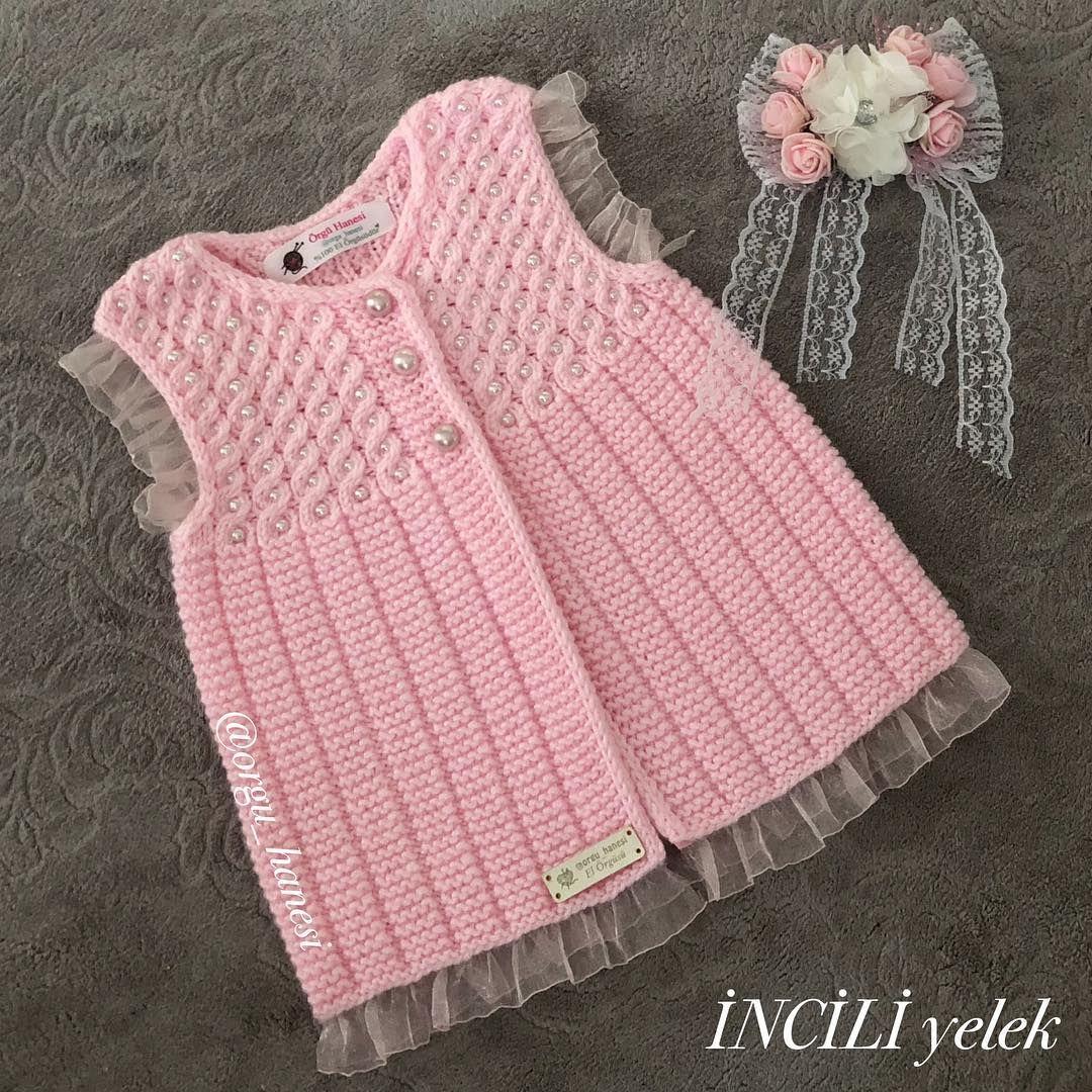 Merhabalar Ay Cok Sevimli Oldu Bu Yelek Bazi Arkadaslarin Niye 0 2 Yas Calistigin Baby Jackets Pattern Baby Knitting Patterns Baby Cardigan Knitting Pattern