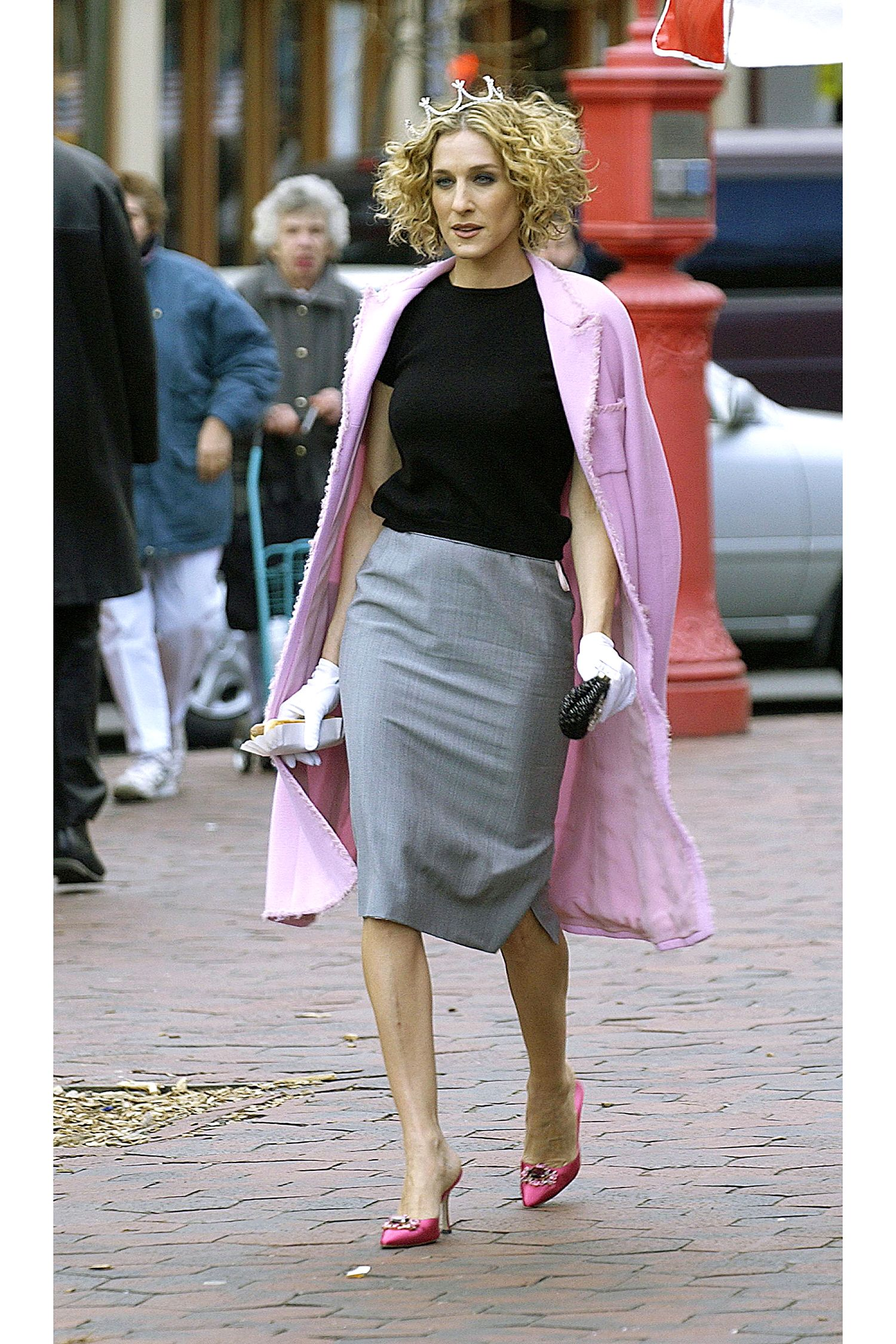 1286f54db Carrie Bradshaw's 50 Best Looks of All Time | fashion | Carrie ...