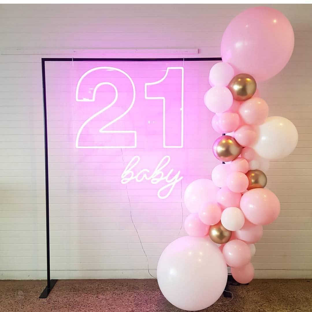 "MEGAPARTYSTORE AUSTRALIA on Instagram: ""How awesome is this stunning Baby pink, white and gold diy balloon garland kit! #balloons #balloongarland #balloonarch #21stbirthday #21st…"" #21stbirthdaydecorations"
