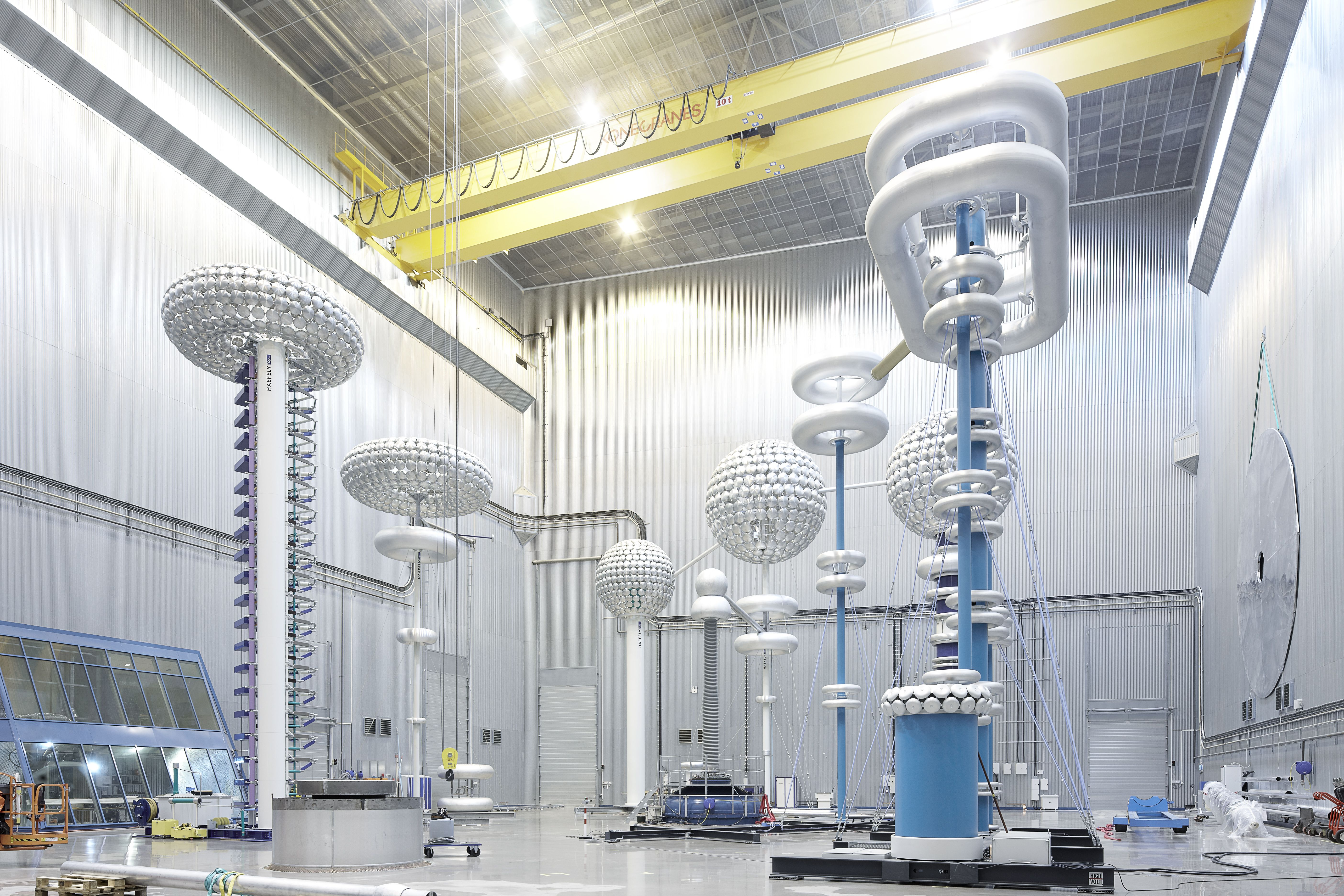 hvdc technology to abb and siemens Designed and built collaboratively by abb and siemens, the transformer will be commissioned in 2018 for installation as part of the changji-guquan link spanning 2,040 miles (3,284 km), the link will set world records for voltage, transmission capacity, and distance.