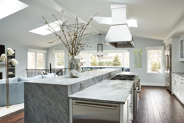 Entering The Kitchen You Are Drawn To The Kitchen Island A 15 Foot Long Wareham Quartzit Kitchen Island Dining Table Kitchen Design Kitchen With Long Island