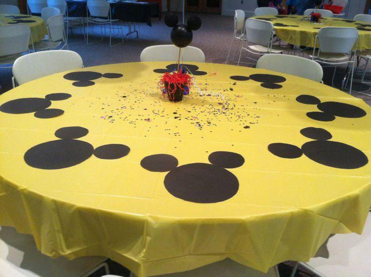 Cute Mickey Mouse Themed Kids Birthday Table Decor