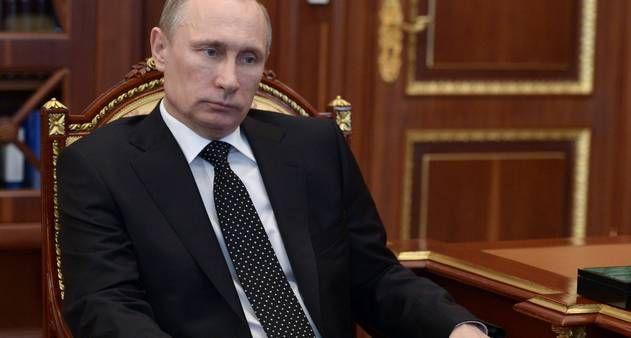 Em discurso, presidente russo alerta que país deve 'lutar pelos seus interesses' on-line