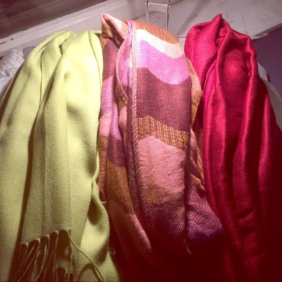 Scarf bundle! Three cute scarves Three adorable scarves, soft and stylish! Perfect for adding to your scarf collection. Bundle includes one lime green scarf, one pink and gold scarf, and one dark red pashmina scarf! Accessories Scarves & Wraps