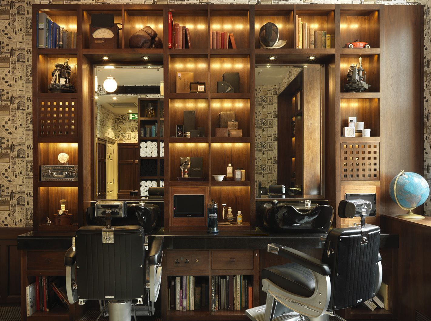Classic barber shop chairs - London S Best Barbers Classic Barber Shopmodern